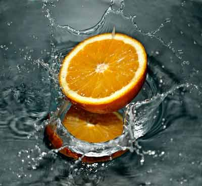 water met sinaasappel