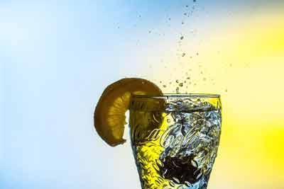 val je af door veel water te drinken